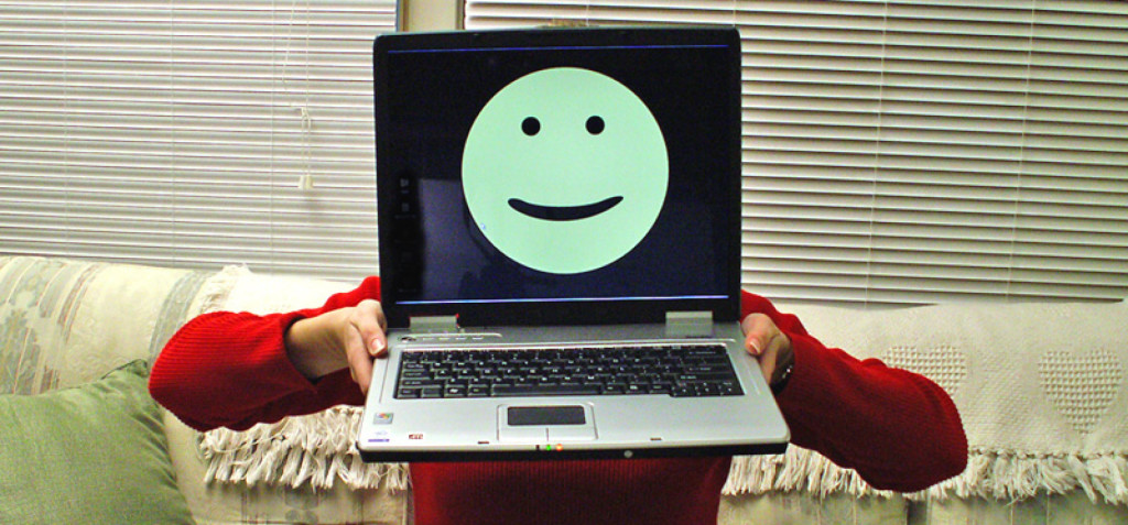 dementiainduct.eu image: Laptop with a smiley face